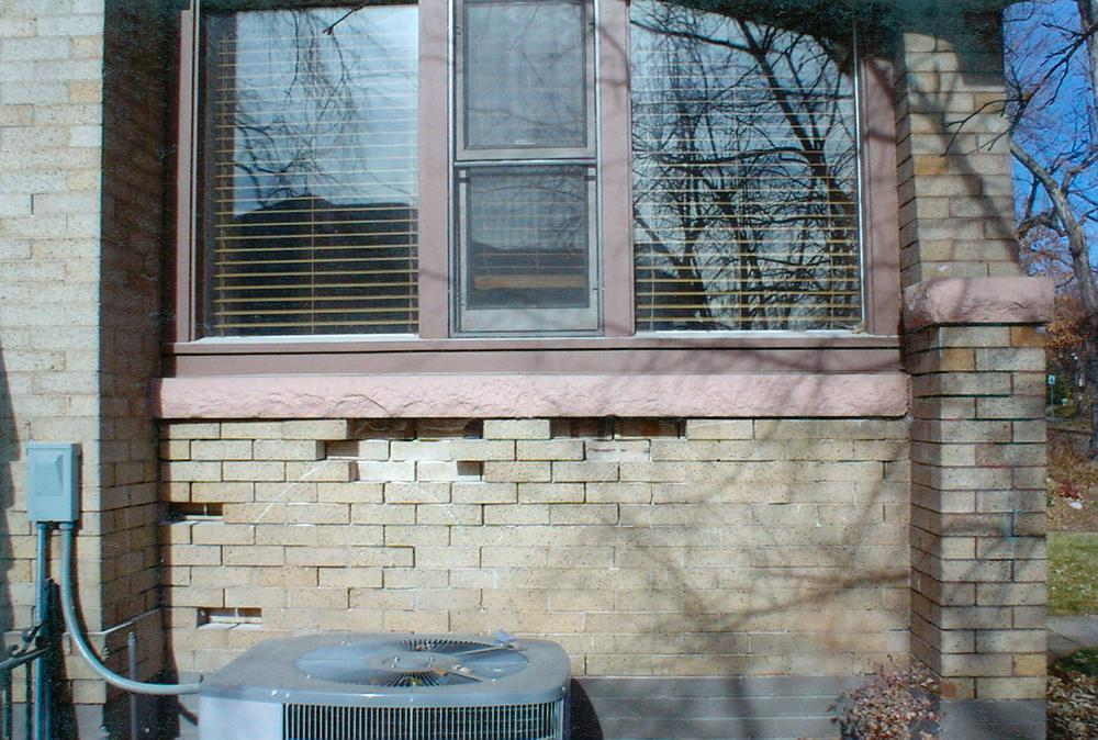 tuck point porch wall and relay loose bricks