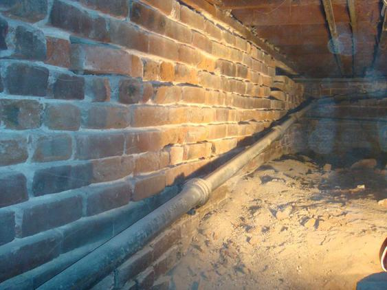 Tuckpoint All Joints on Foundation Wall in Crawlspace before_tuck_pointing_in_crawlspace_20_jpg